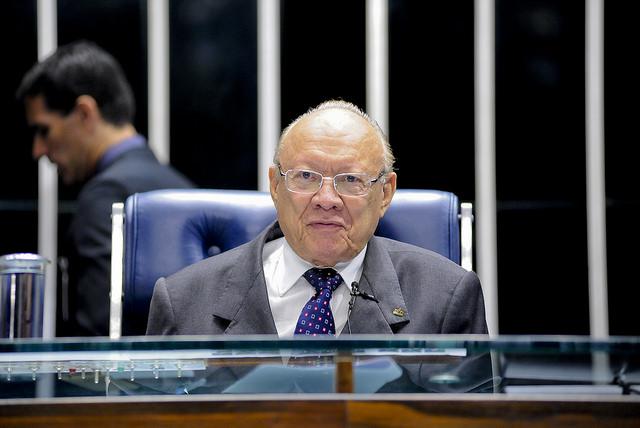 João Alberto quando presidia a sessão de sexta-feira do Senado