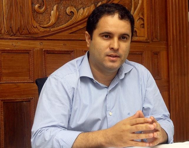 Edivaldo Jr.: o político vai tomar agora o lugar do gestor