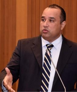 Roberto Costa: se informando sobre a situação dos municípios