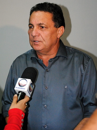 Tema Cunha lidera caravana de prefeitos à XX Marcha