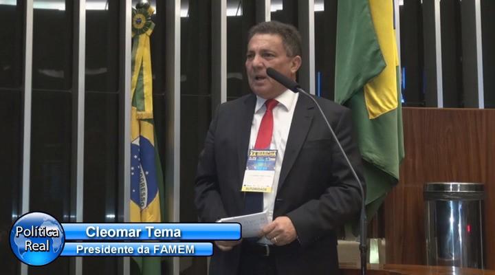 Tema Cunha discursa na Câmara Federal na Marcha dos Prefeitos