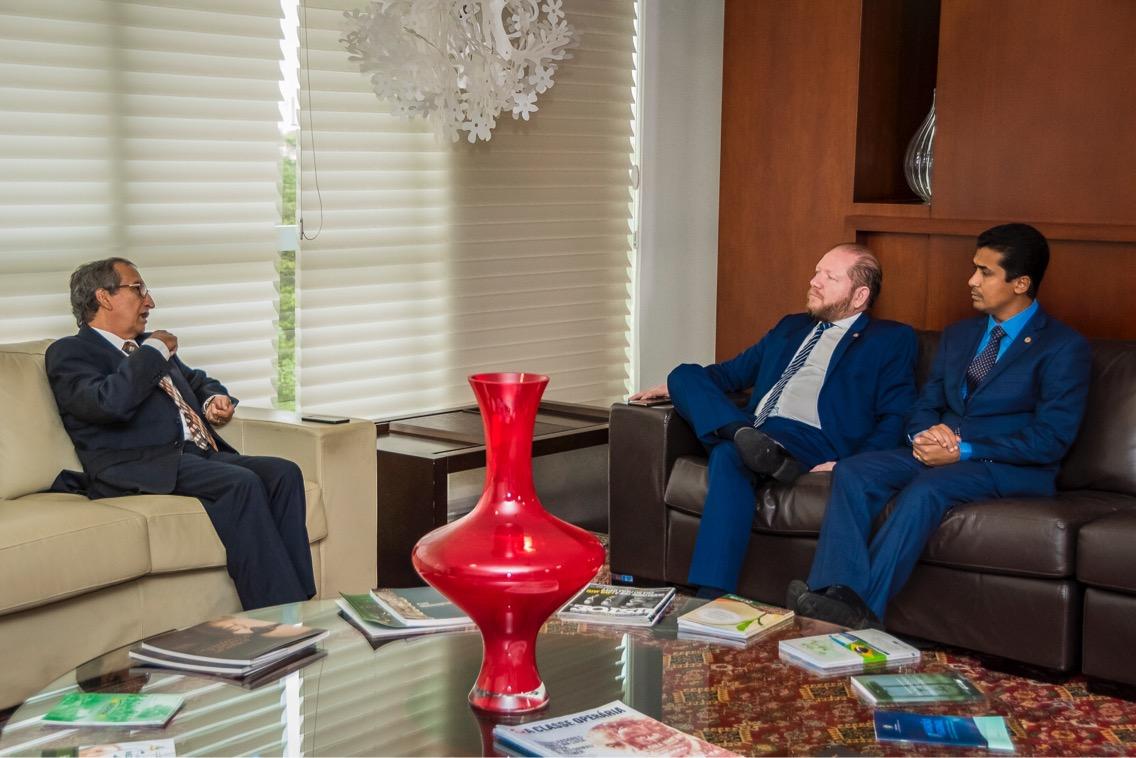Raimundo Barros discute com Othelino Neto e Marco Aurélio extinção das zonas