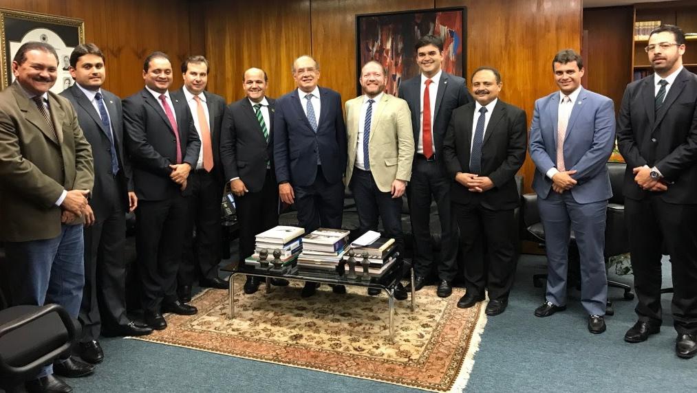 Gilmar Mendes entre líderes maranhenses em após reunião no TSE por zonas eleitorais