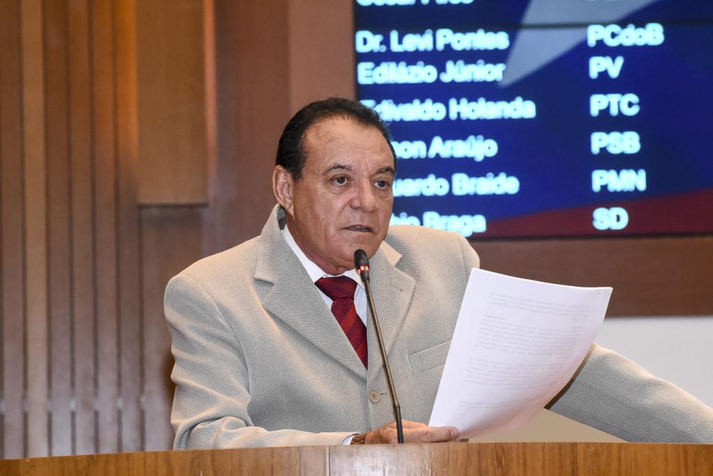 Raimundo Cutrim alerta para a situação grave que atinge senador la Rocque