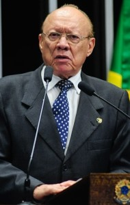 João Alberto comemorou decisão do Conselho a favor de Aécio Neves
