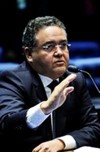 Roberto Rocha não tem lastro partidário firme