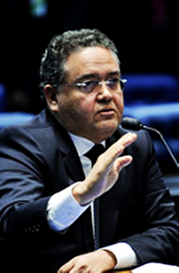 Roberto Rocha dá voto corajoso contra restrições a Aécio Neves