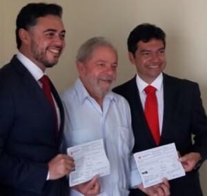 Com as fichas de filiação abonadas pelo ex-presidente Lula, o irmão do governador Flávio Dino, Sálvio Dino Júnior e o ex-delegado geral Lawrence Melo passaram a reforçar  quadros do PT do Maranhão.