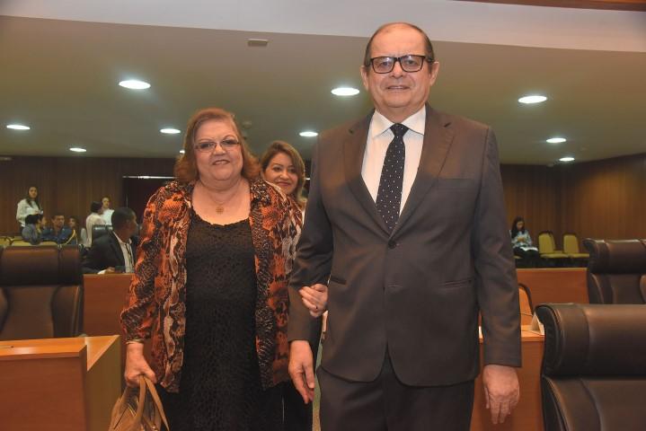 Cleide e Humberto Coutinho: a médica e esposa cuidando marido e parceiro