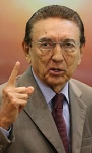 Edison Lobão reafirma sua candidatura à reeleição