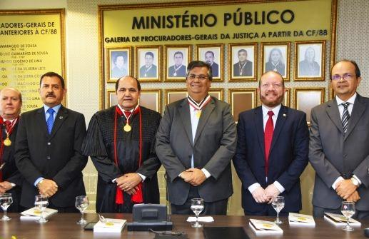 Jorge Nicolau, José Joaquim Figueiredo dos Anjos, Luiz Gonzaga Coelho, Flávio Dino, Othelino Neto e ??? Caldas na homenagem do MPMA ao governador do Estado