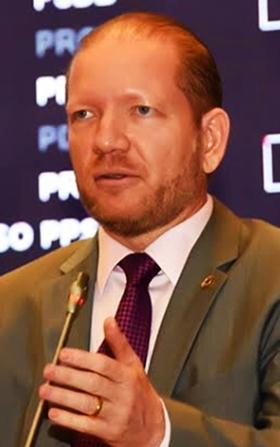 Othelino Neto:  condução firme consolida presidência