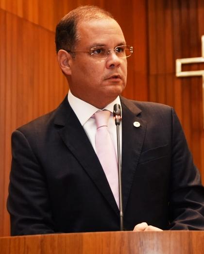 Rogério Cafeteira rebate ataque de Adriano Sarney sobre as finanças do Estado