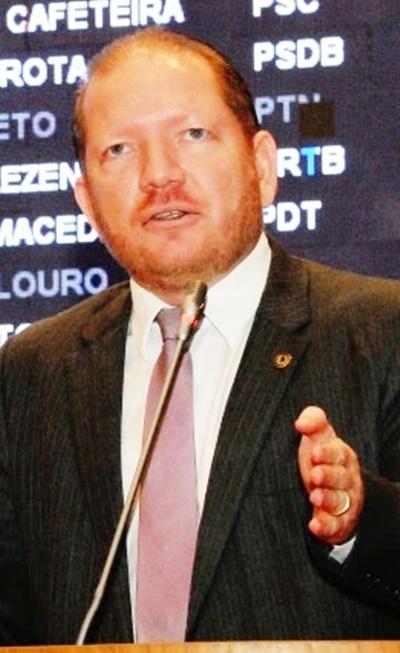 Othelino Neto: presidência con solidada e bem avaliada em 100