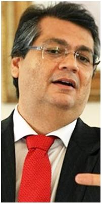 Flávio Dino saiu na frente e montou a coligação que vai apiá-lo na corrida eleitoral