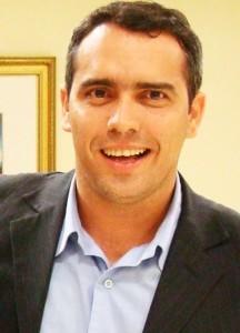 Márcio Jardim: disparos contra Edison Lobão para alcançar Eliziane Gama