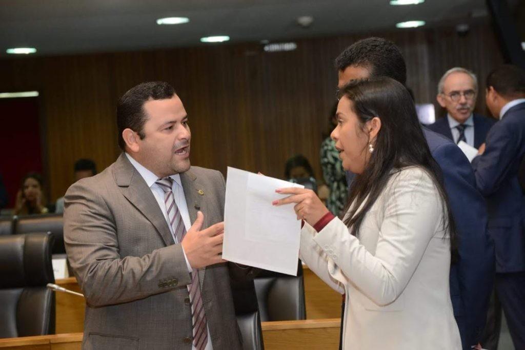 Vinícius Louro e Ana do Gás: embate áspero com acusações e xingamentos