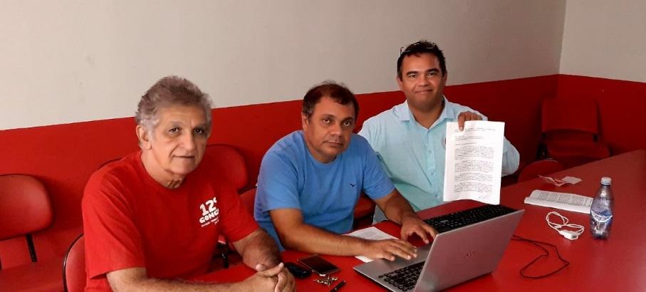 Anibal Lins (camisa branca), formaliza pré-candidatura na presença do presidente Augusto Lobato e do ex-presidente Raimundo Monteiro